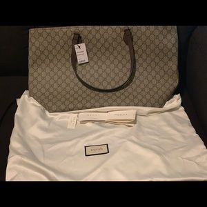 Brand New Gucci Tote. Never used 😊